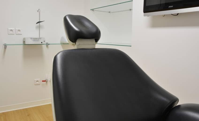 Dentiste-Toulon_Le-Tiec-Mari_Implants-cab-Le-Tiec-Chirurgie2